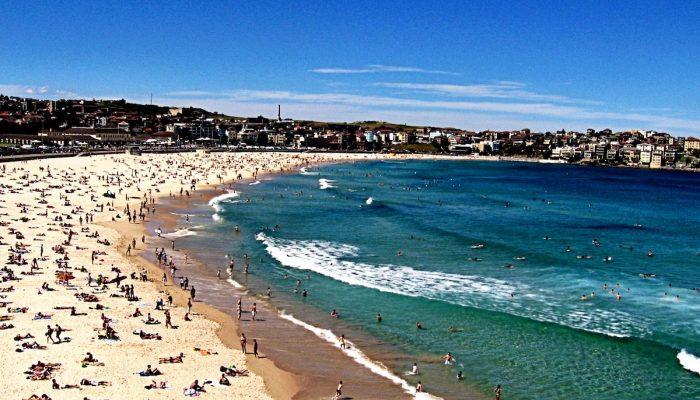Bondi Beach – sand, sea and surf